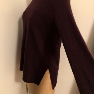 Vince Sweaters - Vince Burgundy crew neck cashmere sweater xs